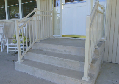 Aluminum Railing on Concrete Steps